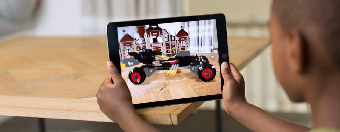 Augmented-Reality-Spotlight-Apple-ARKit