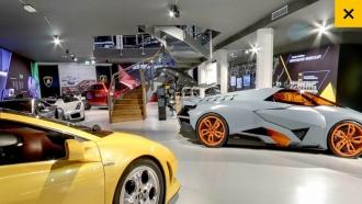 Augmented-Reality-Lamborghini-AR-Screenshot-Museum-Haupthalle